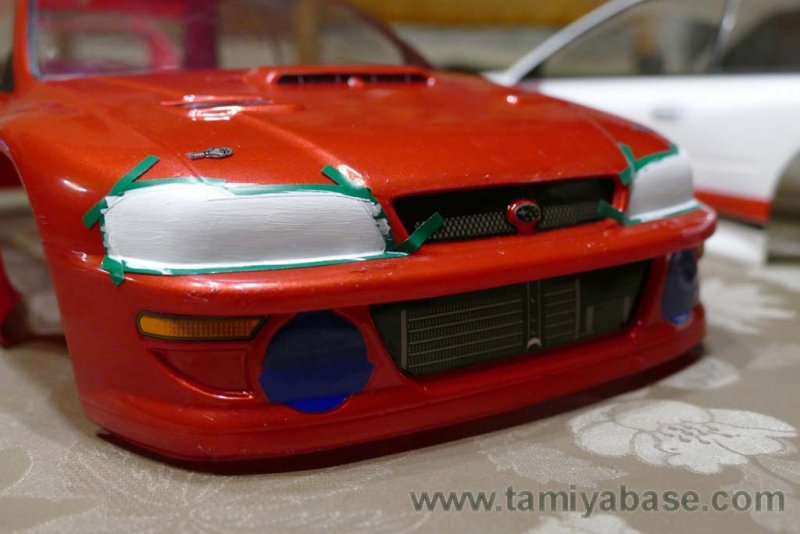 I also painted the headlights white, because I had transparent decals to apply on it